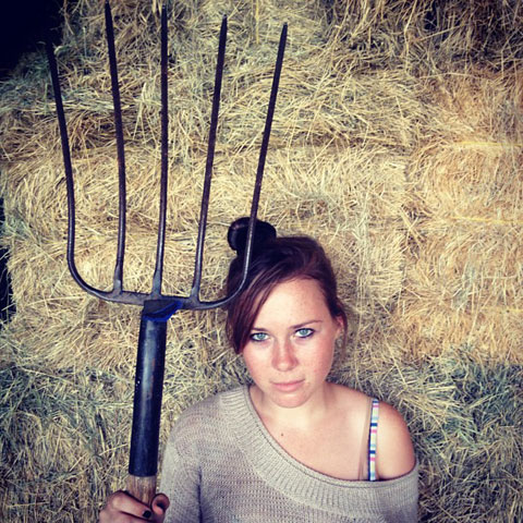 girl_with_pitchfork