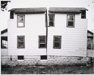 gordon-matta-clark-house-split